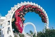 the-corkscrew-sea-world-tourism-queensla.jpg